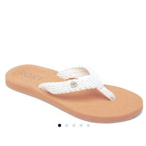 Roxy Tidepool flip flops +size 7 **limited time!**